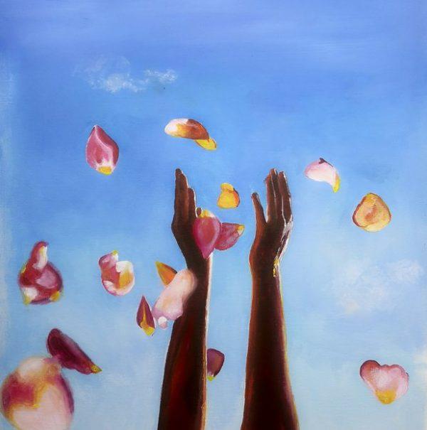 Acrylmalerei die zwei Arme zeigt welche gerade Blütenblätter in die Luft werfen der Himmel ist blau